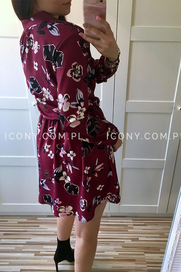 Sukienka w kwiaty bordo