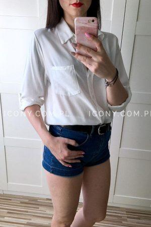 Luźna koszula z kieszonką biała
