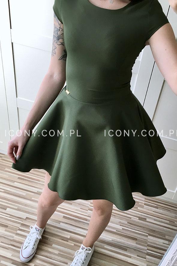Sukienka z rozkloszowanym dołem khaki