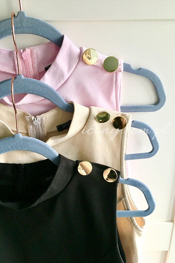 Sukienki z ozdobnymi guzikami w trzech kolorach