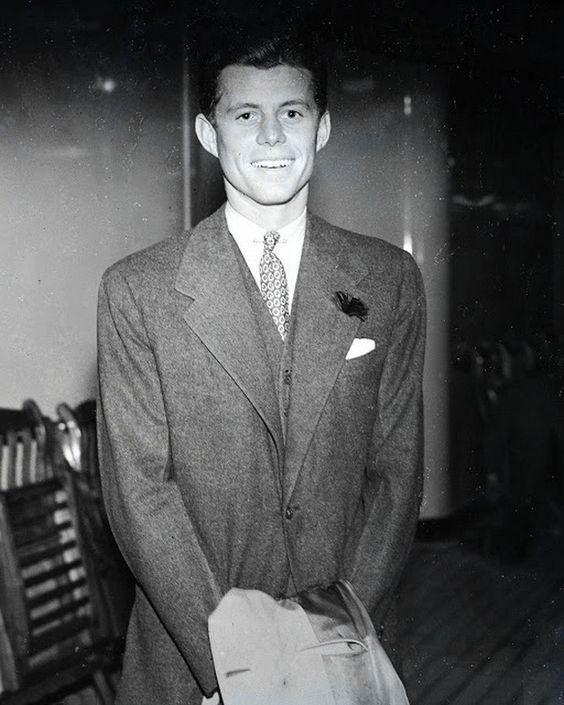 john f kennedy rok 1939