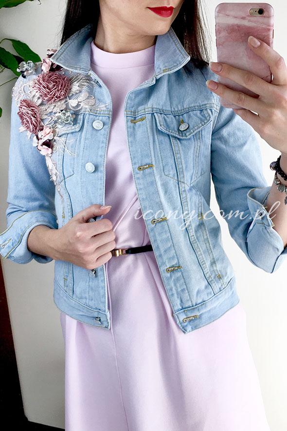 Kurtka damska jeansowa z koronką i kwiatami