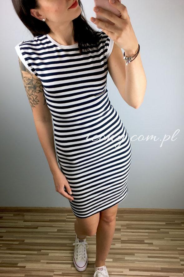 Sukienka w paski dopasowana, elastyczna, polskiej produkcji.