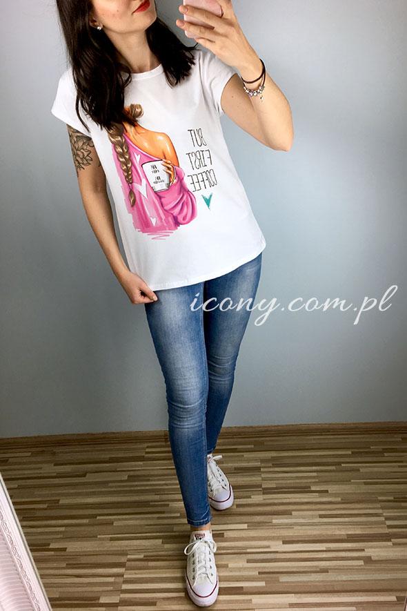 Koszulka damska biała z kolorowym nadrukiem
