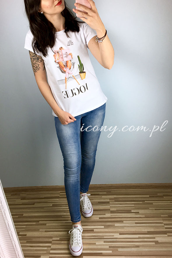 Koszulka damska biała z nadrukiem Vogue.