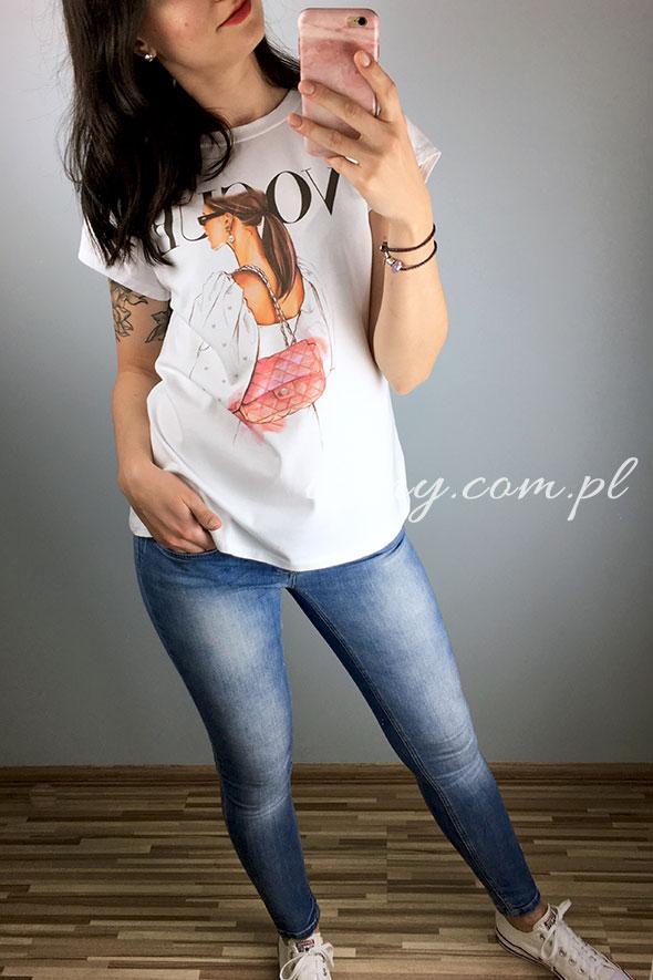 Koszulka damska biała z nadrukiem kobiety Vogue.